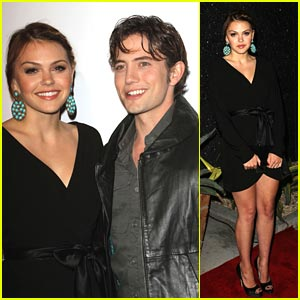 Aimee Teegarden &#038; Jackson Rathbone: 'Aim High' Premiere Pair