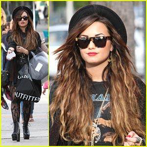 Demi Lovato: Urban Shopper
