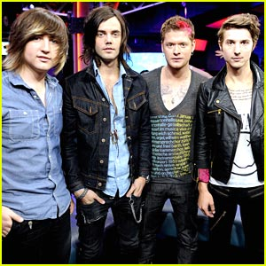 It's New Music Live with Hot Chelle Rae!