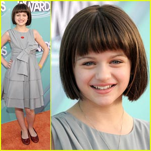 Joey King Has The Halo Effect