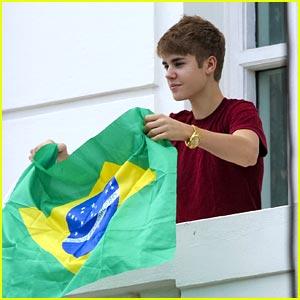 Justin Bieber: 'Mistletoe' with Mariah Carey!