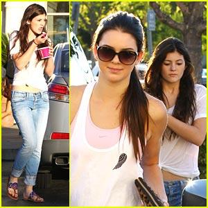 Kendall & Kylie Jenner: Sunday's Sweet Treats