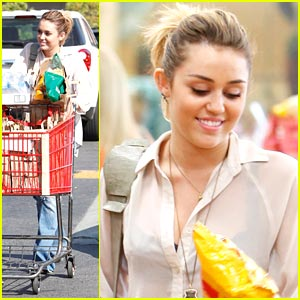 Miley Cyrus: Trader Joes Grocery Girl