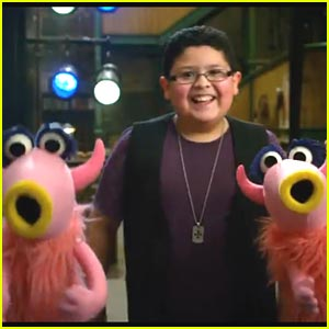 'The Muppets' -- New Trailer with Rico Rodriguez!