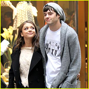 Sarah Hyland &#038; Matt Prokop: NYC Stroll Sweeties