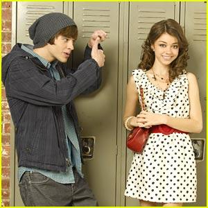 Matt Prokop & Sarah Hyland: 'Geek Charming' Premieres Nov 11th!