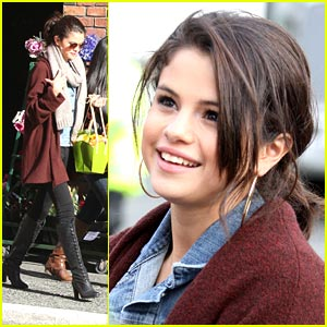 Selena Gomez is a Flower Girl