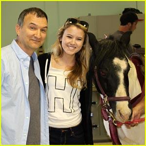 Taylor Spreitler's Birthday Pony Ride -- JJJ Exclusive!