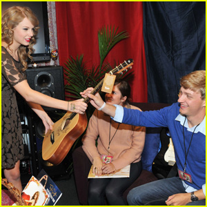Taylor Swift Honors HALO Awards' Teen Heroes