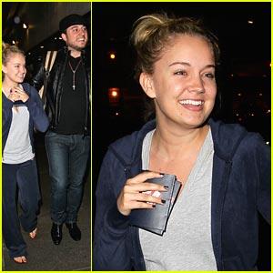 Tiffany Thornton: LAX Landing with Chris!