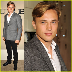 William Moseley: Burberry Body Bash