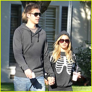 Ashley Tisdale &#038; Scott Speer: Saturday Stroll
