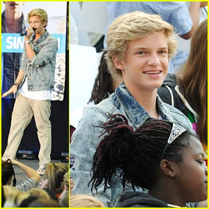 Cody Simpson on 'Extreme Makeover: Home Edition' -- First Look!