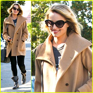 Dianna Agron: Hair Salon Stop