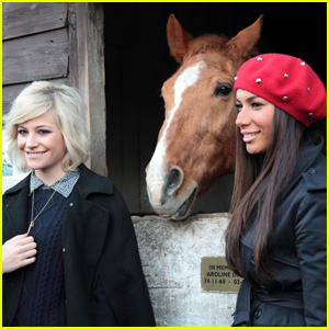 Pixie Lott: Helping Horses With Leona Lewis!