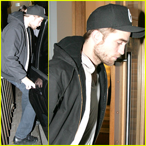 Robert Pattinson Tops 'Heat' Magazine's Rich List!
