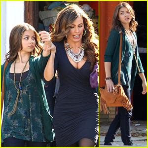 Sarah Hyland Films 'Modern Family' with Sofia Vergara