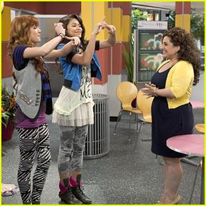 Bella Thorne & Zendaya: Marisa Jaret Winokur Guest Stars on Shake It Up!