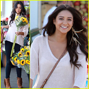 Shay Mitchell: Sunflower Shopper!