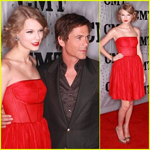 Taylor Swift: CMT Artists of the Year 2011