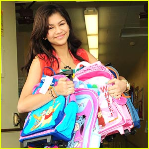 Zendaya: Backpack Delivery Day!!!