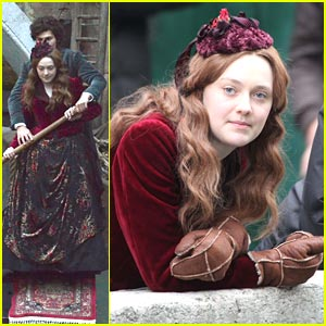 Dakota Fanning: Effie's Gondola Lesson