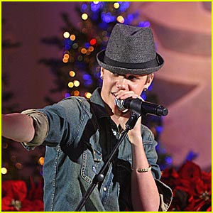 Justin Bieber Finds 'A Home for the Holidays' with Martina McBride