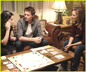 Vanessa Marano & Sean Berdy: Monopoly with the Moms