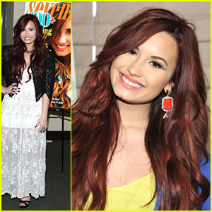 Demi Lovato: Seventeen Signing!