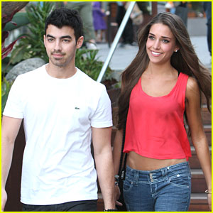 Joe Jonas: Sunday Date with Mystery Gal