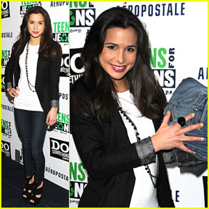 Josie Loren Donates Teens for Jeans!