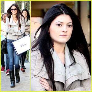 Kylie & Kendall Jenner: Malibu Shoppers