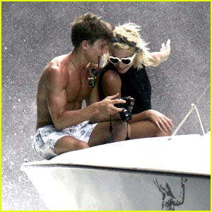 Pixie Lott: Motor Boat Ride with Oliver Cheshire!