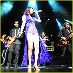 Selena Gomez: Puerto Rico Rocker