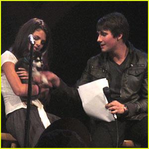 Selena Gomez: UNICEF Charity Concert!