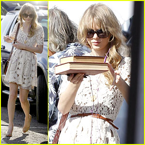 Taylor Swift: Flea Market Master