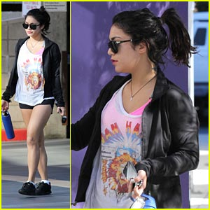 Vanessa Hudgens: People's Choice Awards Attendee!