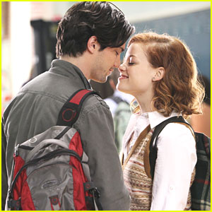 Jane Levy &#038; Thomas McDonell: 'Suburgatory' Sweeties