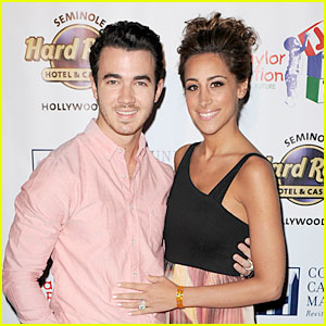 Kevin &#038; Danielle Jonas: 2012 Jason Taylor Celebrity Golf Classic Couple