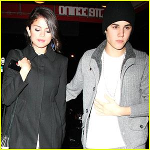 Selena Gomez & Justin Bieber: Thai Twosome