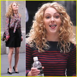 AnnaSophia Robb: Carrie Goes To Manhattan