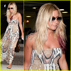 Ashley Tisdale: Back from Hawaii