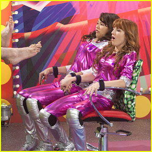Zendaya Bella Thorne Smell My Stinky Feet