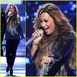 Demi Lovato: 'Give Your Heart A Break' on American Idol!