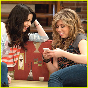 Miranda Cosgrove: iApril Fools on iCarly!