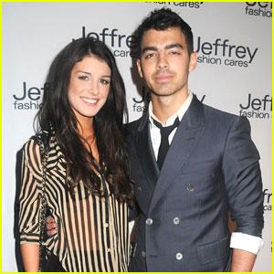 Joe Jonas & Shenae Grimes: Jeffrey Fashion Cares Show!