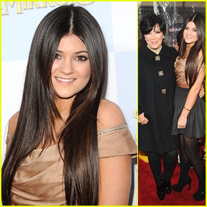 Kylie Jenner: 'Mirror Mirror' with Mom Kris!