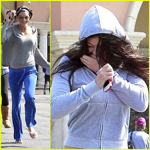 Kendall & Kylie Jenner: New Kardashian Kolors for Spring!