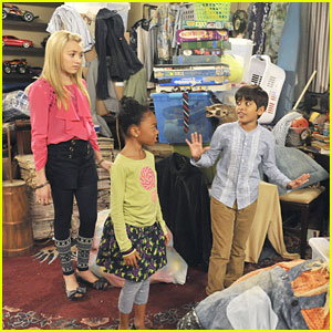 Peyton List & Karan Brar: Bertram is a Hoarder!