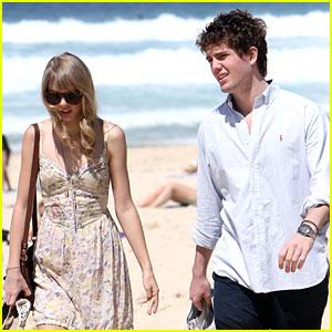 Taylor Swift: Bondi Beach with Brother Austin!